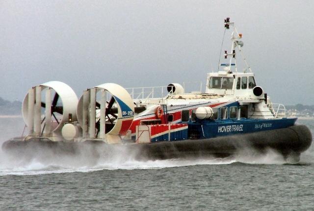 Luftkissenbot auf dem Wasser